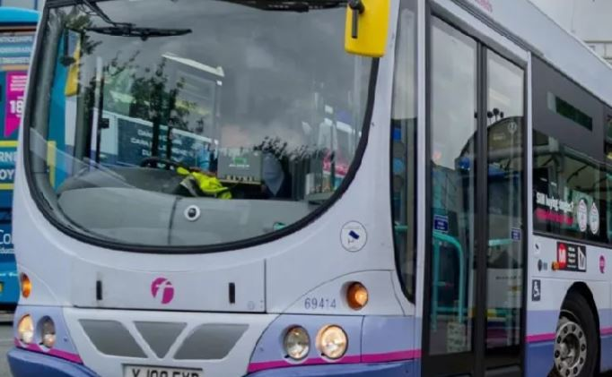 Bus operator agrees £32,000 damages for passenger who broke leg in fall